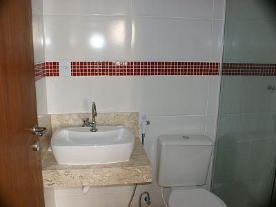 apartamento Cachoeira do Bom Jesus - Lavatório, Ducha Higiênica e Vaso Sanitário