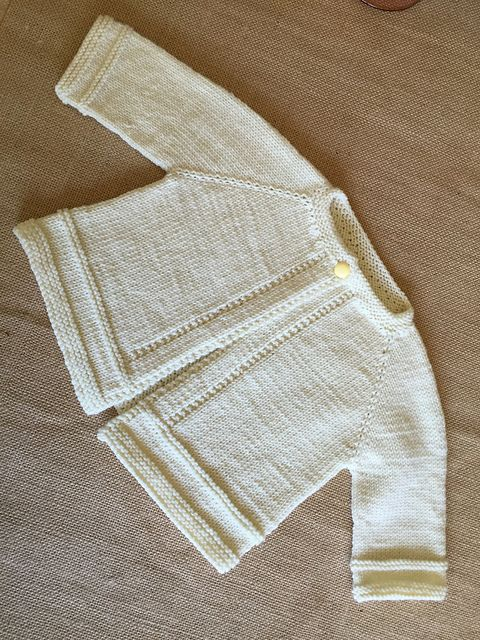 Ravelry: MarianneJudith\'s Liz\'s Baby Sweater Set | bebés | Pinterest ...