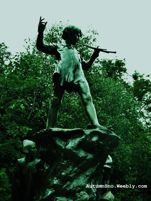 Peter Pan statue, Hyde Park, London, England.   <3   Loved this park!