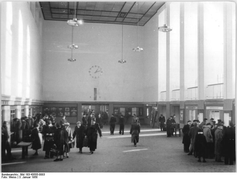Januar 1958 Berlin-Ostbahnhof Vorhalle