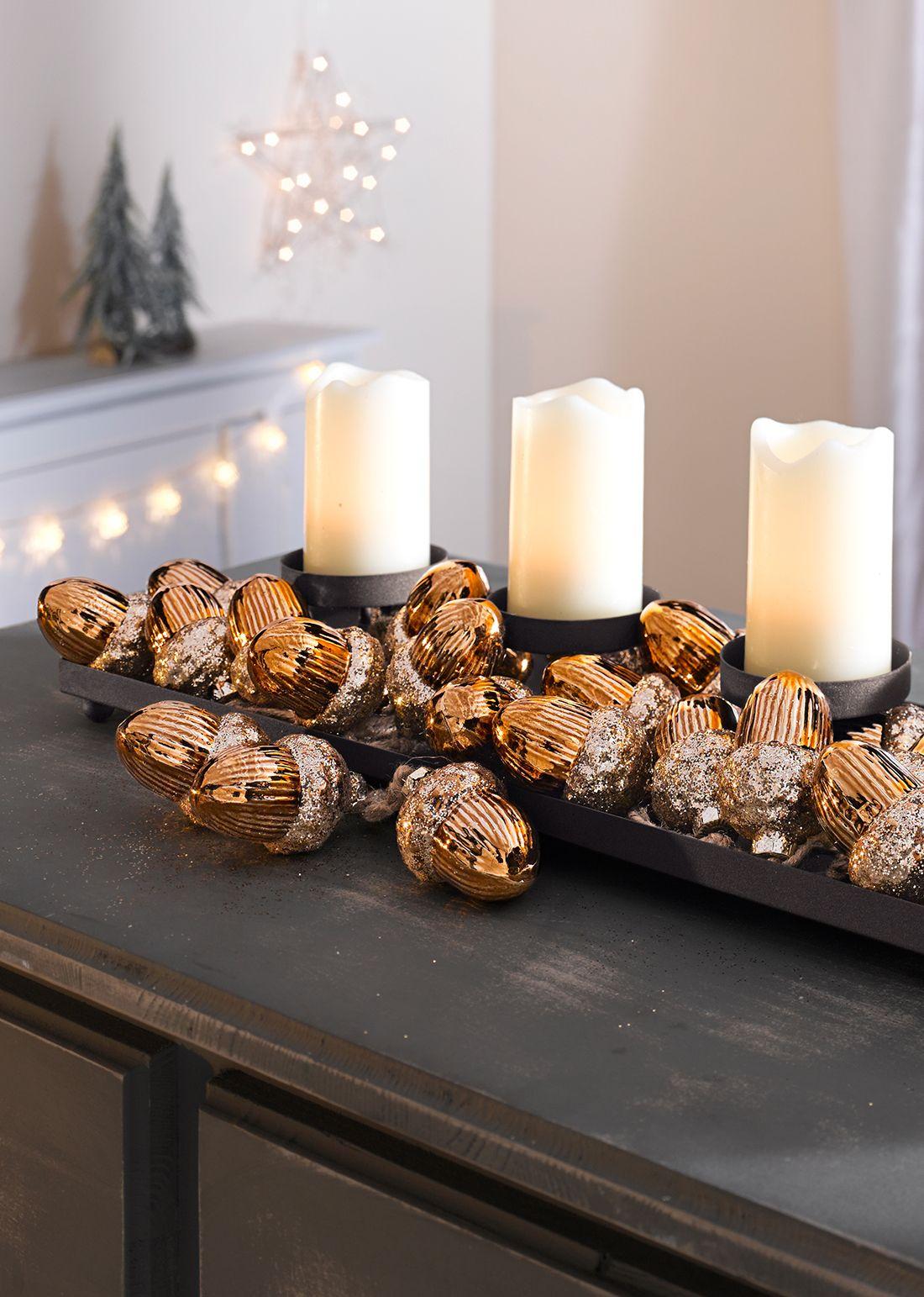 Weihnachtsdeko Klingel.Glänzende Eicheln Die Aus Ihrem Wohnzimmer Einen Zauberwald Machen