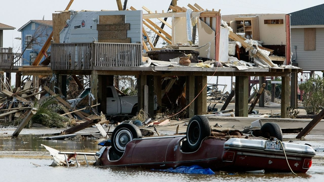 What To Expect When A Category 4 Hurricane Makes Landfall The Damage That Comes With A Category 4 Hurricane Can Galveston Texas Texas Hurricane Storm Surge