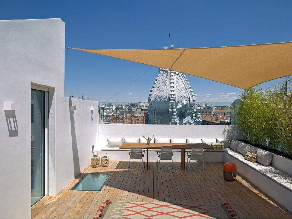 Appartamento su due livelli con terrazza sul tetto nel