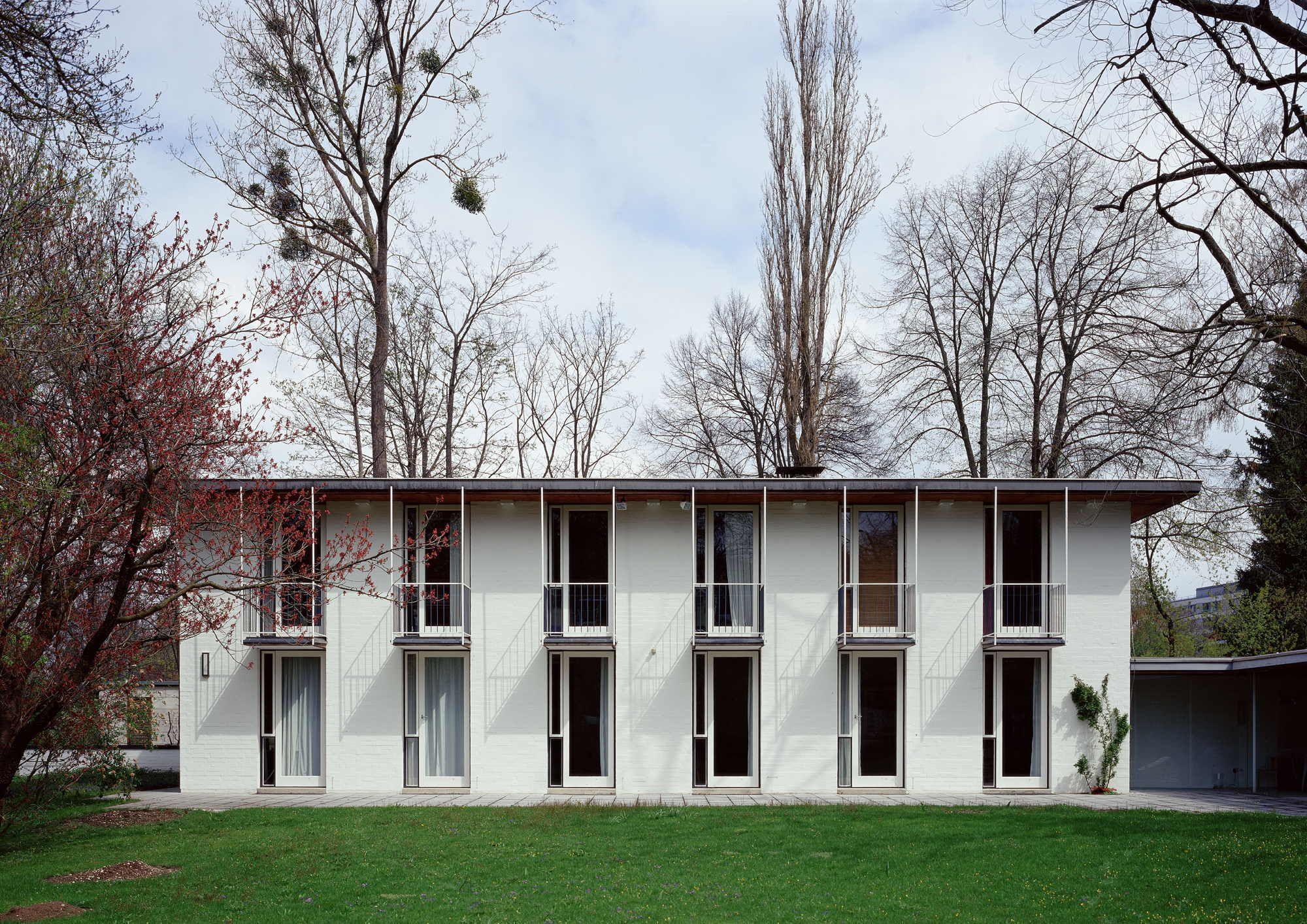 m nchner moderne sep ruf gesellschaft gegr ndet architecture exterior pinterest. Black Bedroom Furniture Sets. Home Design Ideas