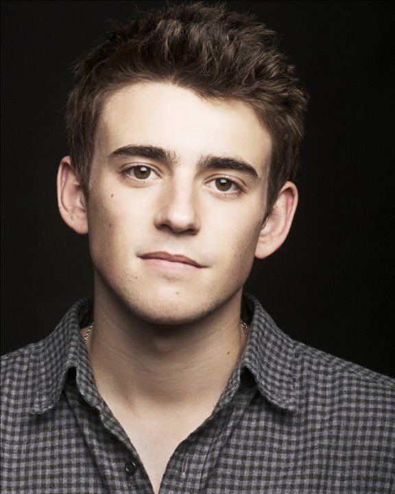 Pictures Photos Of Charlie Rowe Brown Hair Hazel Eyes Guy Brown Hair Men Brown Hair And Hazel Eyes