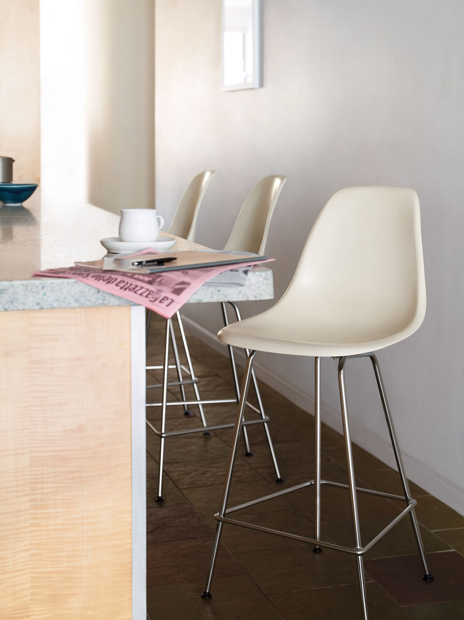 Eames Molded Fiberglass Counter Stool Dfhcx Eames Chairs