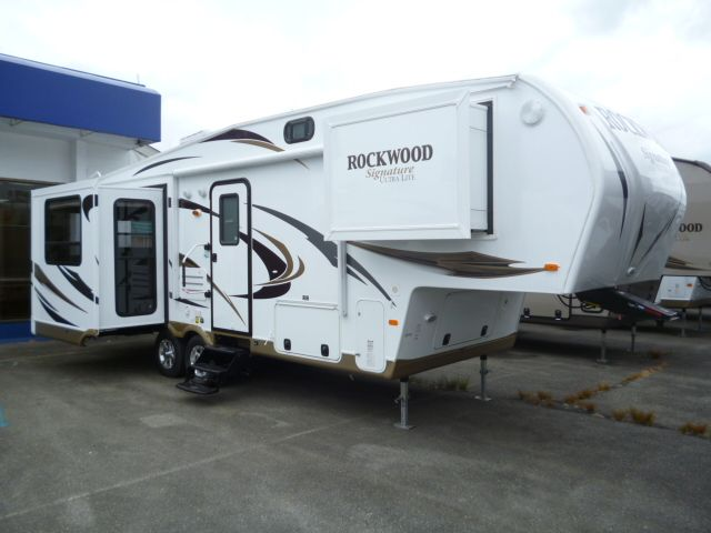 2012 Forest River Rockwood Signature Ultra Lite Fifth Wheel 8265ws