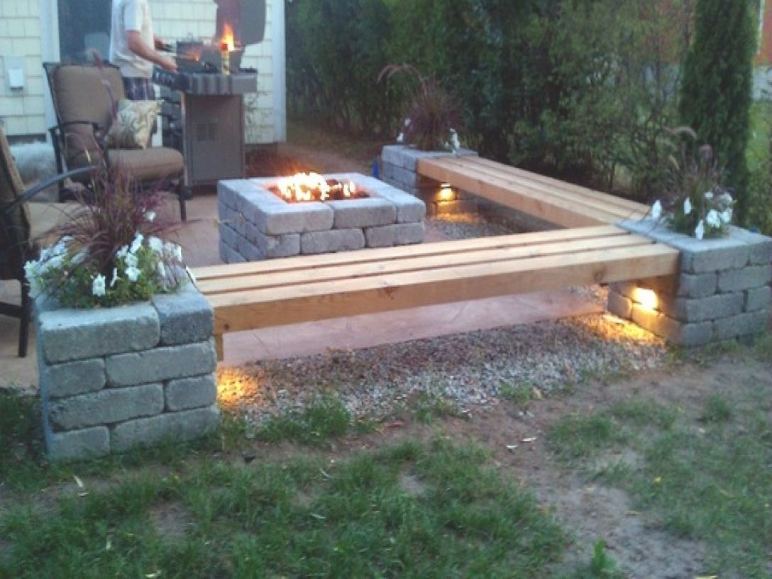 Why You Should Build An Outdoor Firepit With Images Backyard Fire