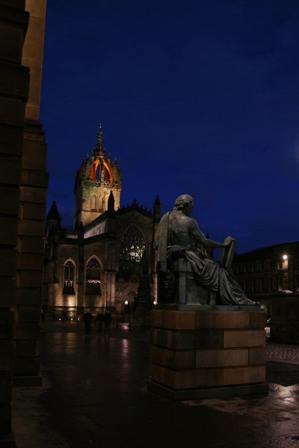 St. Giles Cathedral behind statue of David Hume | Stravaiging around Scotland