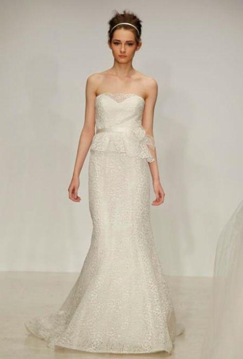 vestido de novia con falda peplum y encaje - foto christos 2013