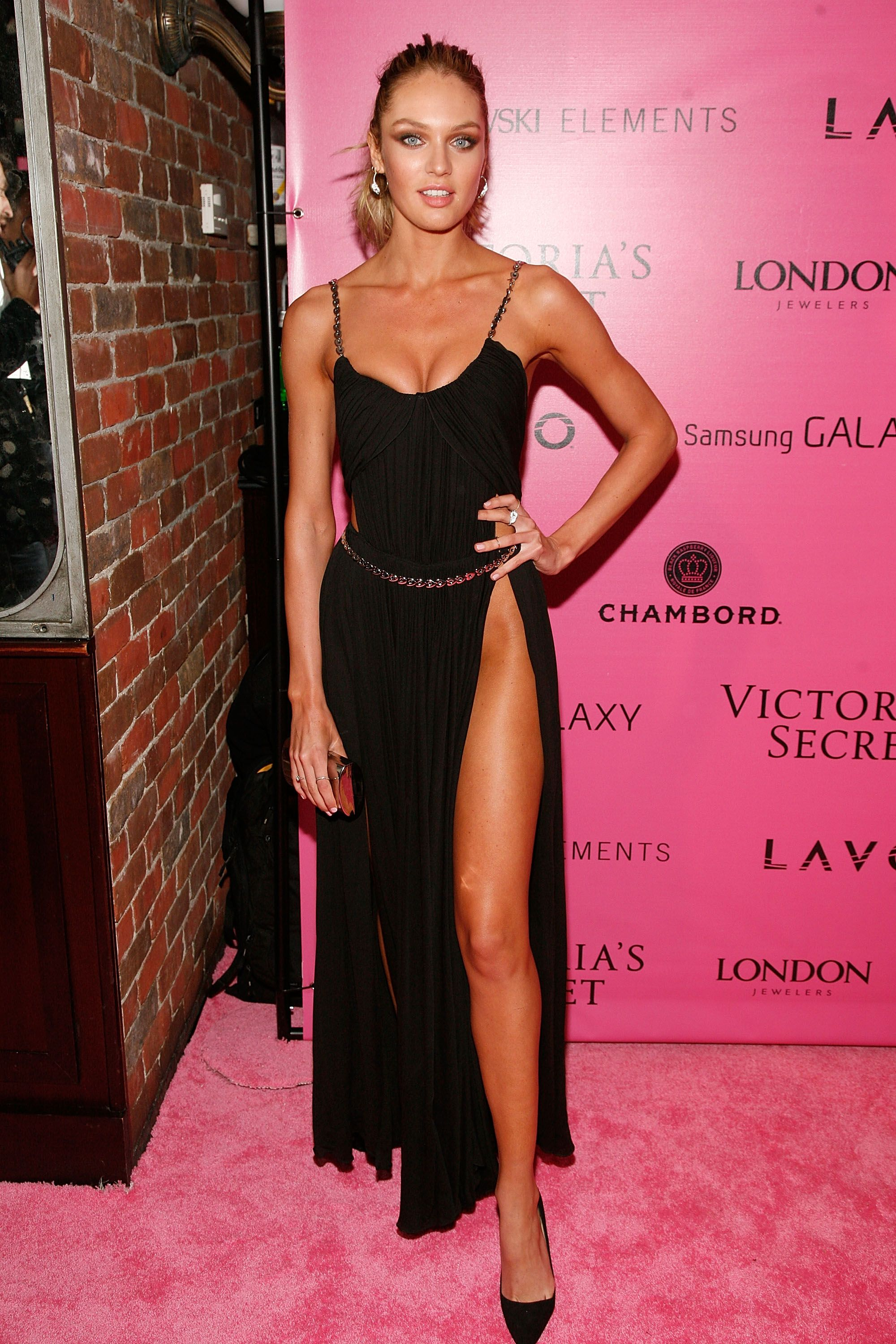 Black dress victoria secret - Candice Swanepoel Chose A Black Dress To Attend The Event In Nyc