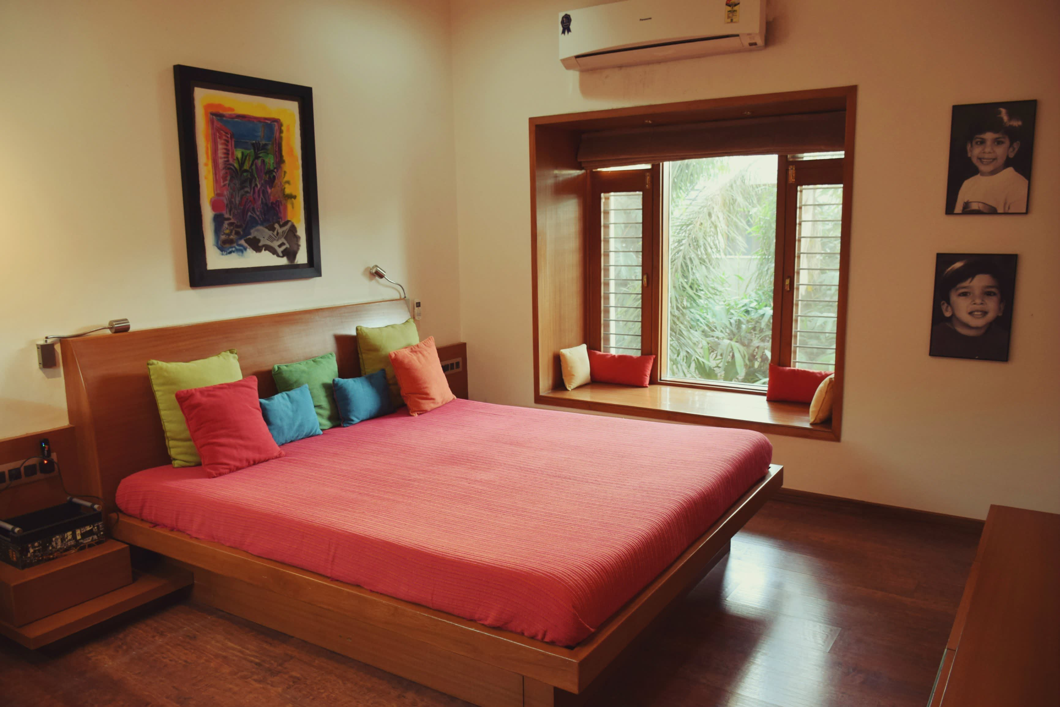Alpavi & Utpal's Mix of Old and New | Indian bedroom decor ...