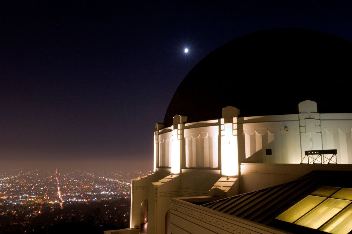 Photos Best Places To See The Supermoon Tonight Griffith Observatory Los Angeles Travel Fire