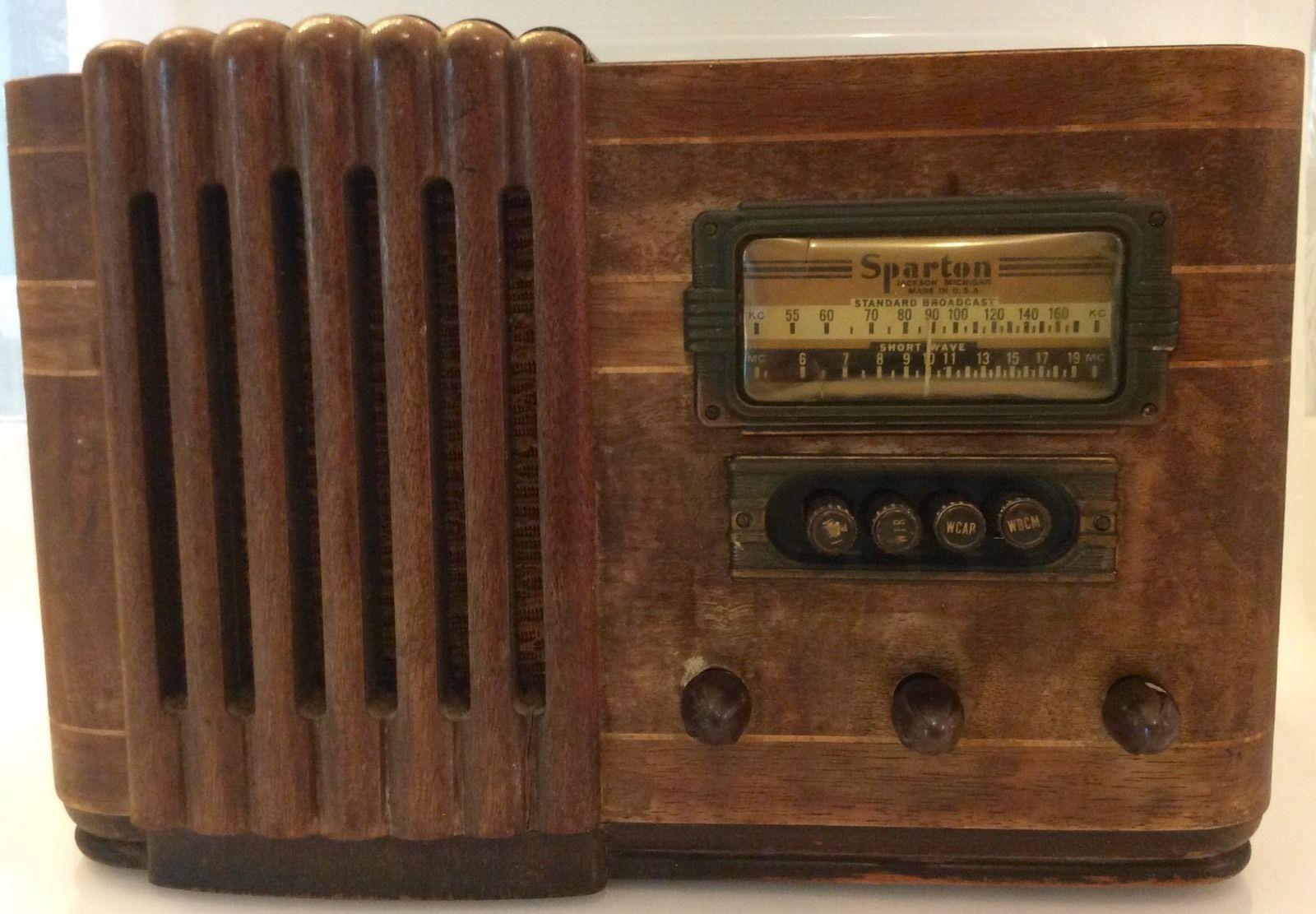 Vintage 1940s Sparton Tube Radio Waterfall Style Tabletop Wood Veneer For Repair Ebay Antique Radio Vintage Radio Old Time Radio