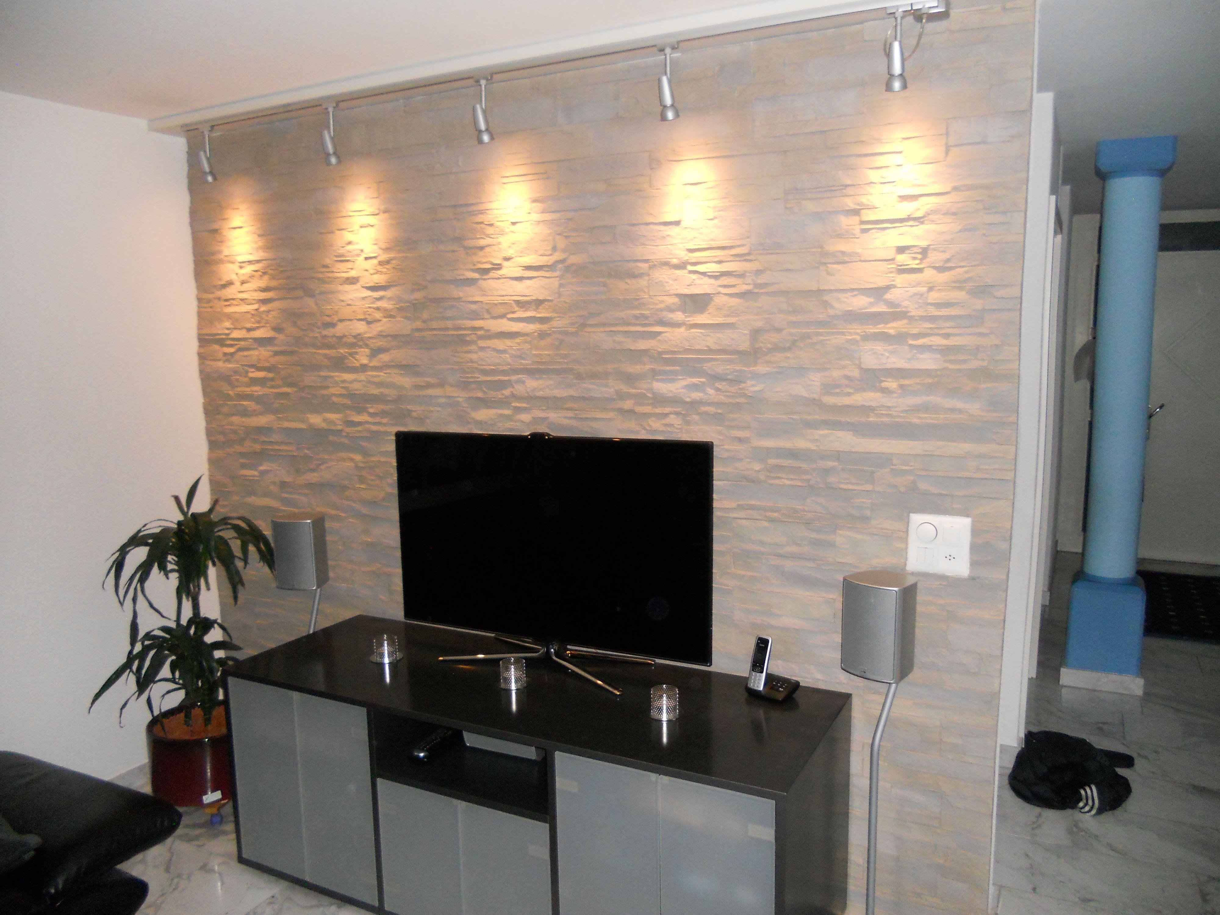 Wandverkleidung Steinoptik mit Beleuchtung Lascas  Wandgestaltung Wohnzimmer in 2019