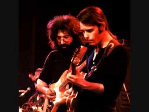 "▶ The Grateful Dead - ""Greatest Story Ever Told"" (November 14, 1972) Lead Guitar: Jerry Garcia .Rhythm Guitar: Bob Weir .Bass: Phil Lesh .Keyboards: Keith Godchaux .Drums: Bill Kreutzmann .Backup Vocals: Donna Godchaux `j"