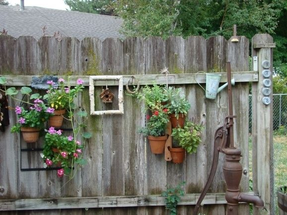 Delightful Backyard Fence Decorating Ideas Old And Rustic Backyard ...