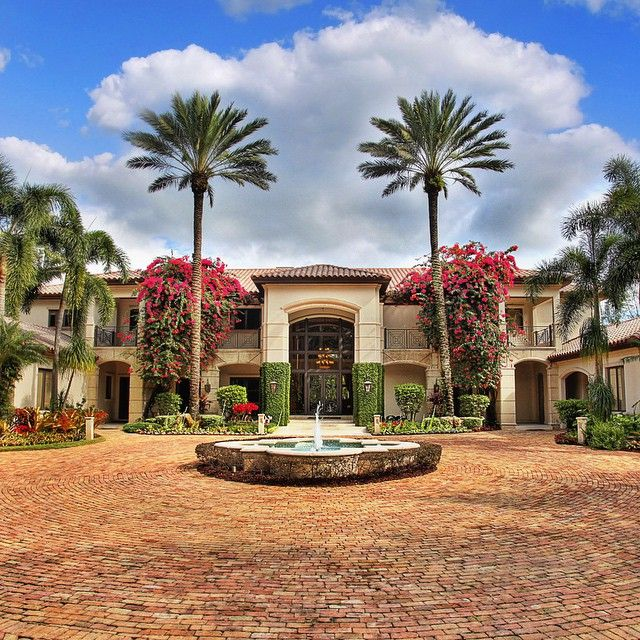 """This beautiful South Florida home is for sale. Email us for listing price. ━━━━━━━━━━━━━━━━━━━ Contact: tyler@luxwt.com ━━━━━━━━━━━━━━━━━━━ #luxuryhomes #luxuryrealestate ━━━━━━━━━━━━━━━━━━━ """"Dream Big, Live Big & Travel On!"""" ━━━━━━━━━━━━━━━━━━━"""