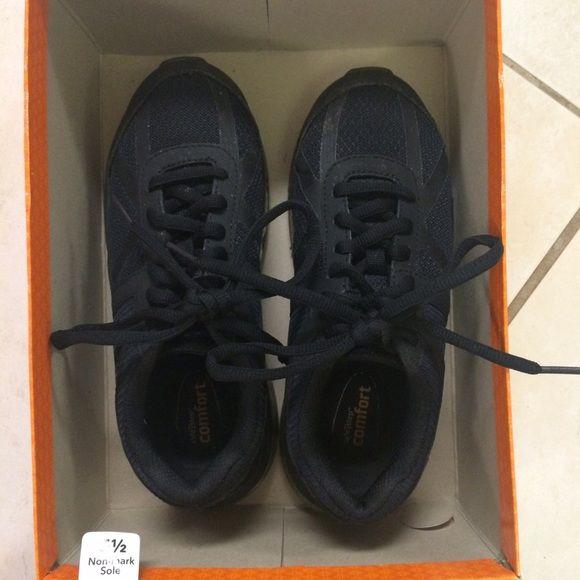 All black slip resistant work shoes