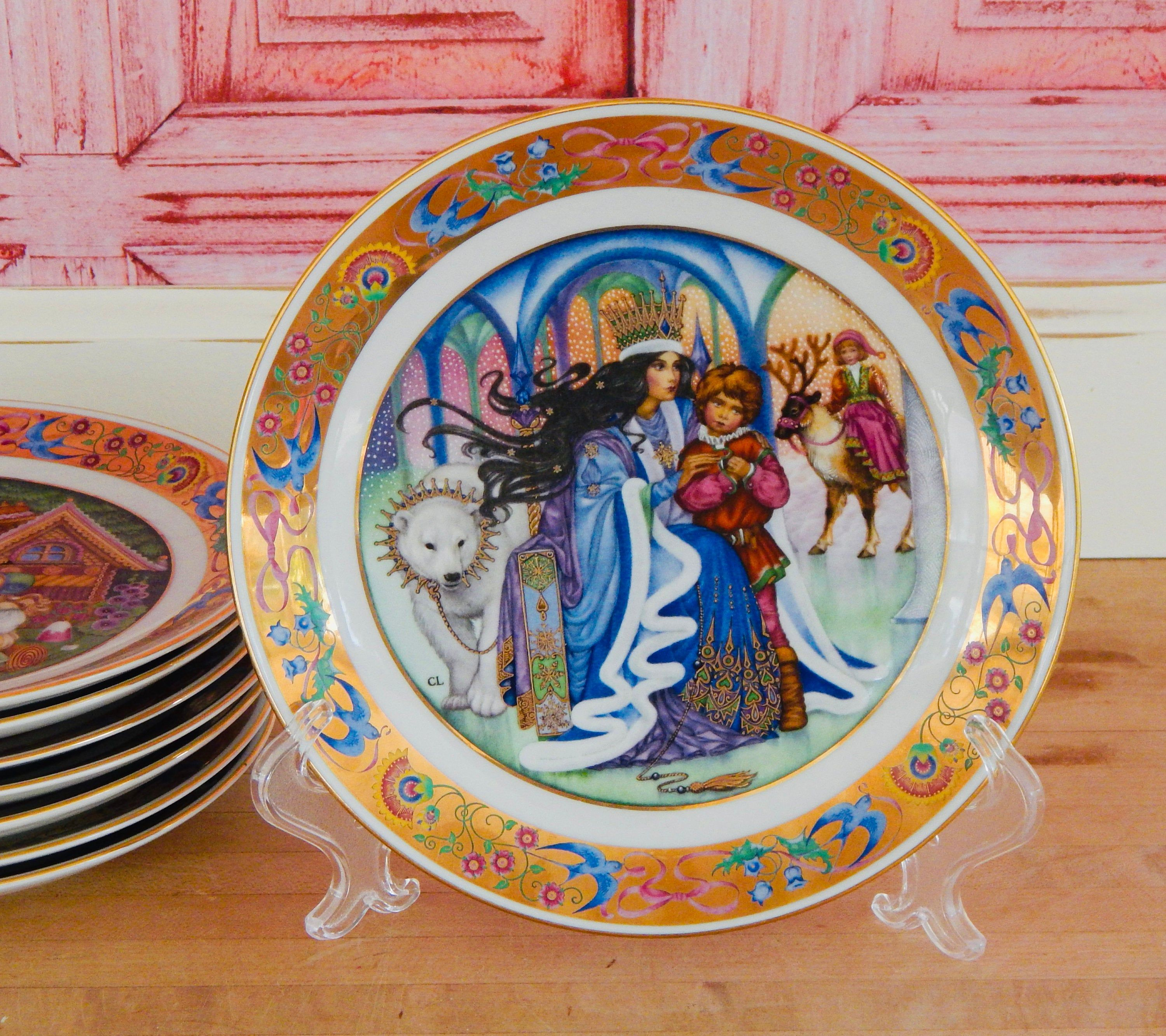 Collectible Plates The Golden Classic Plate Collection By Carol Lawson Snow White Cinderella Sleeping Beauty Classic Plates Collectable Plates Sleeping Beauty Fairies