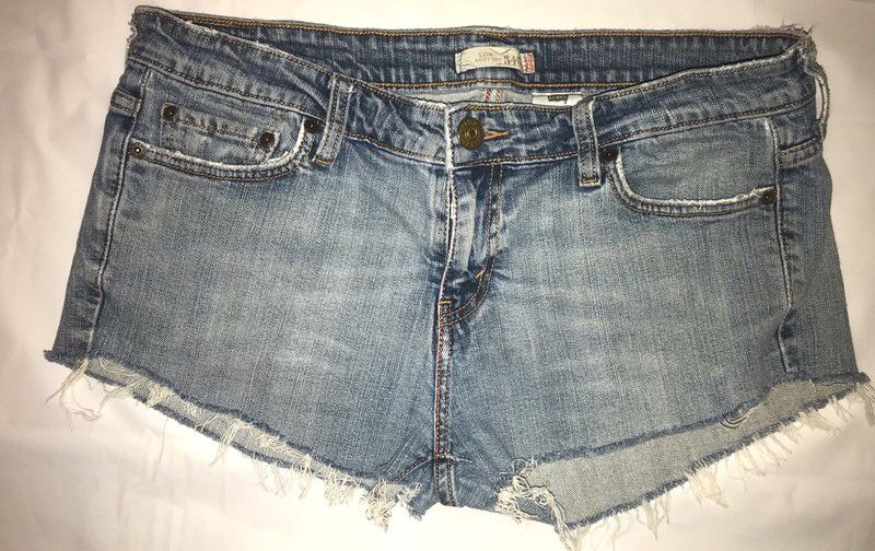 e9f2de21 Levi's 545 Women Shorts Size 12m | Vinted | Jean Shorts, Clothes for ...
