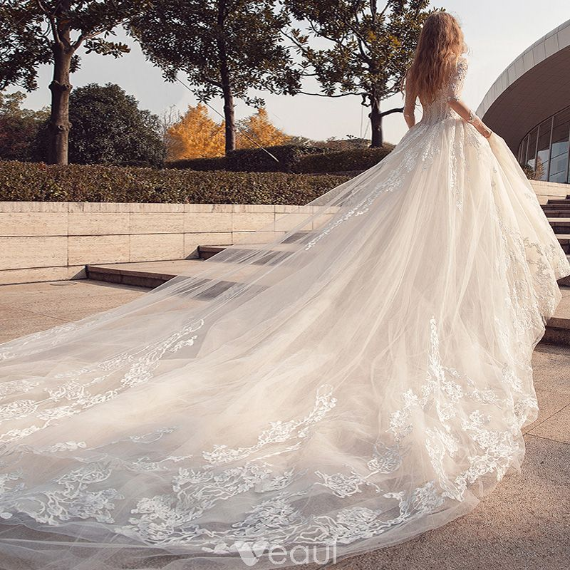 Affordable Modern Fashion Church Wedding Dresses 2017 Lace Appliques Sweetheart Long Sleeve Backless Cathedral Train White Ball Gown Long Train Wedding Dress Church Wedding Dress Wedding Dress Cathedral Train