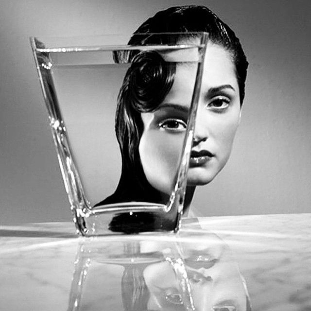 Distorted Bw Glass Water Experimentelle Fotografie