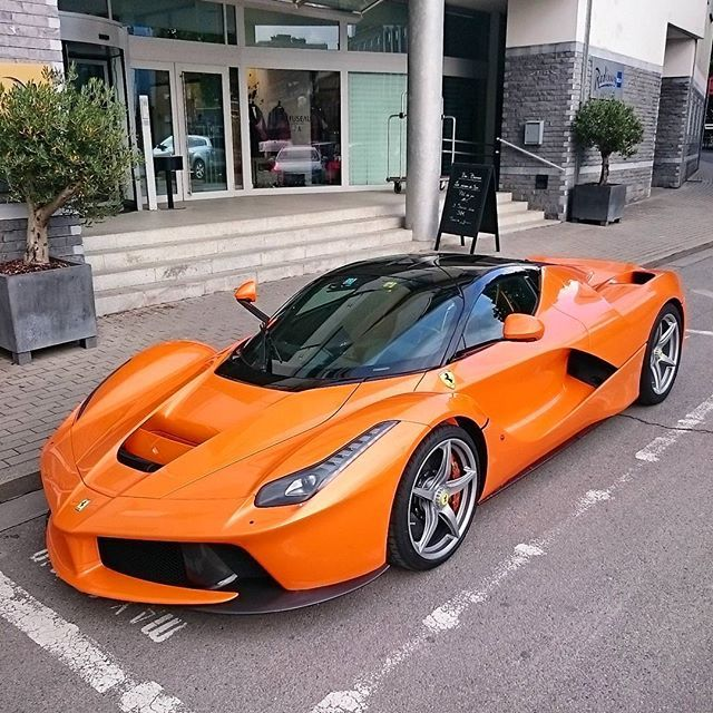 Ferrari Laferrari Wow That S Gorgeous In Orange Italian Supercars Speed Power Style Perfor Autos Ferrari Ferrari Laferrari Autos Deportivos De Lujo