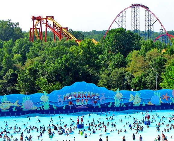 15 Off Six Flags America In The Md Dc Area A Great Last Hoorah Before School Starts Http Www Debtfreespend Six Flags America Water Park Chesapeake Beach