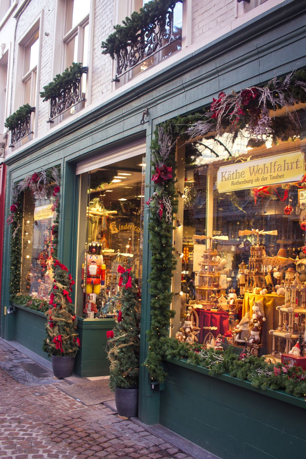 Bruges Christmas Market Breaks.Window Shopping In Brugge Bruges Belgium In Winter For