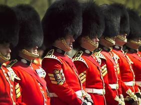 Things to do around London that are FREE. How about the Changing the Guard? And so much more.