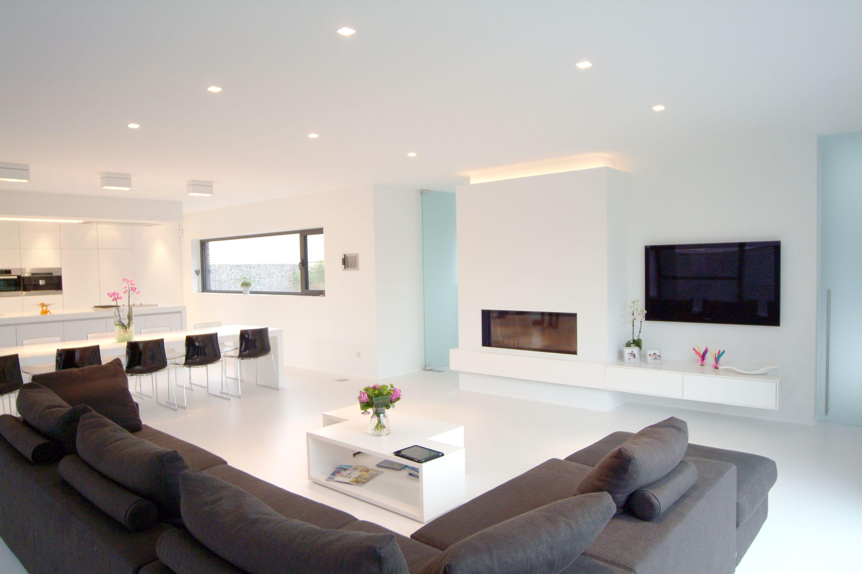 Modern interieur open keuken met kookeiland solid surface