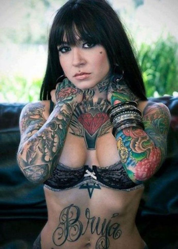 heavily tattooed girl tumblr tattoo pinterest tattoo
