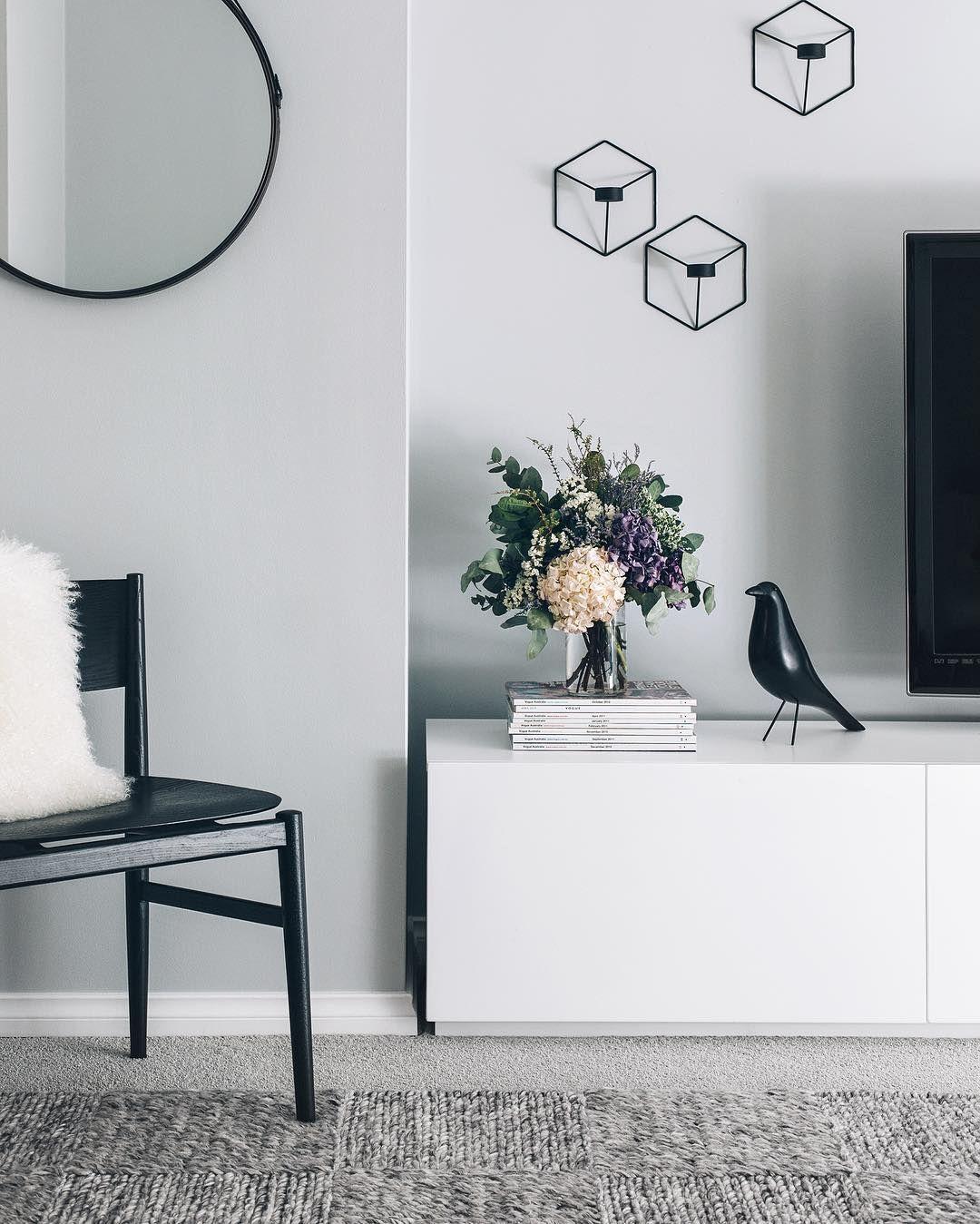 Lieblich Ein Helles Grau Als Wandfarbe Im Wohnzimmer. Www.kolorat.de #KOLORAT # Wandfarbe #Grau
