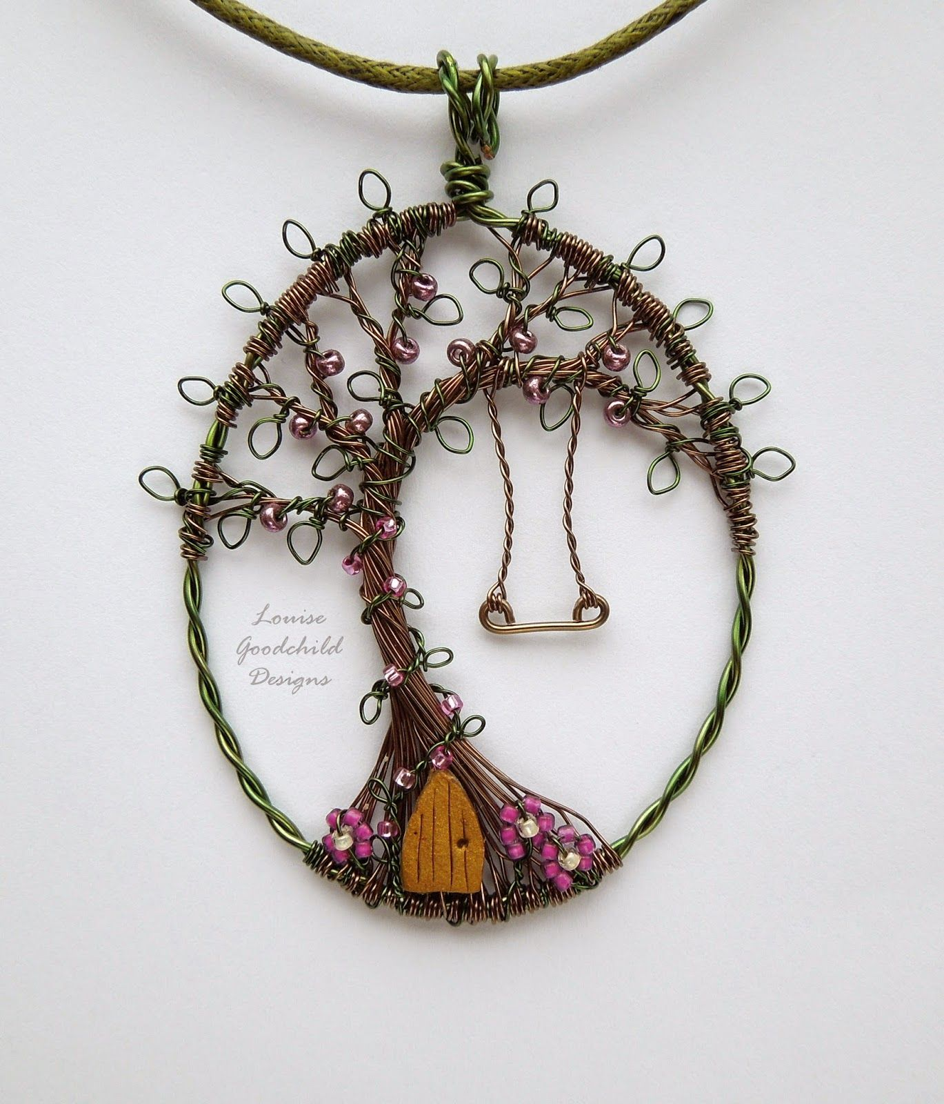 A blog about my adventures with making wire jewellery and general ...