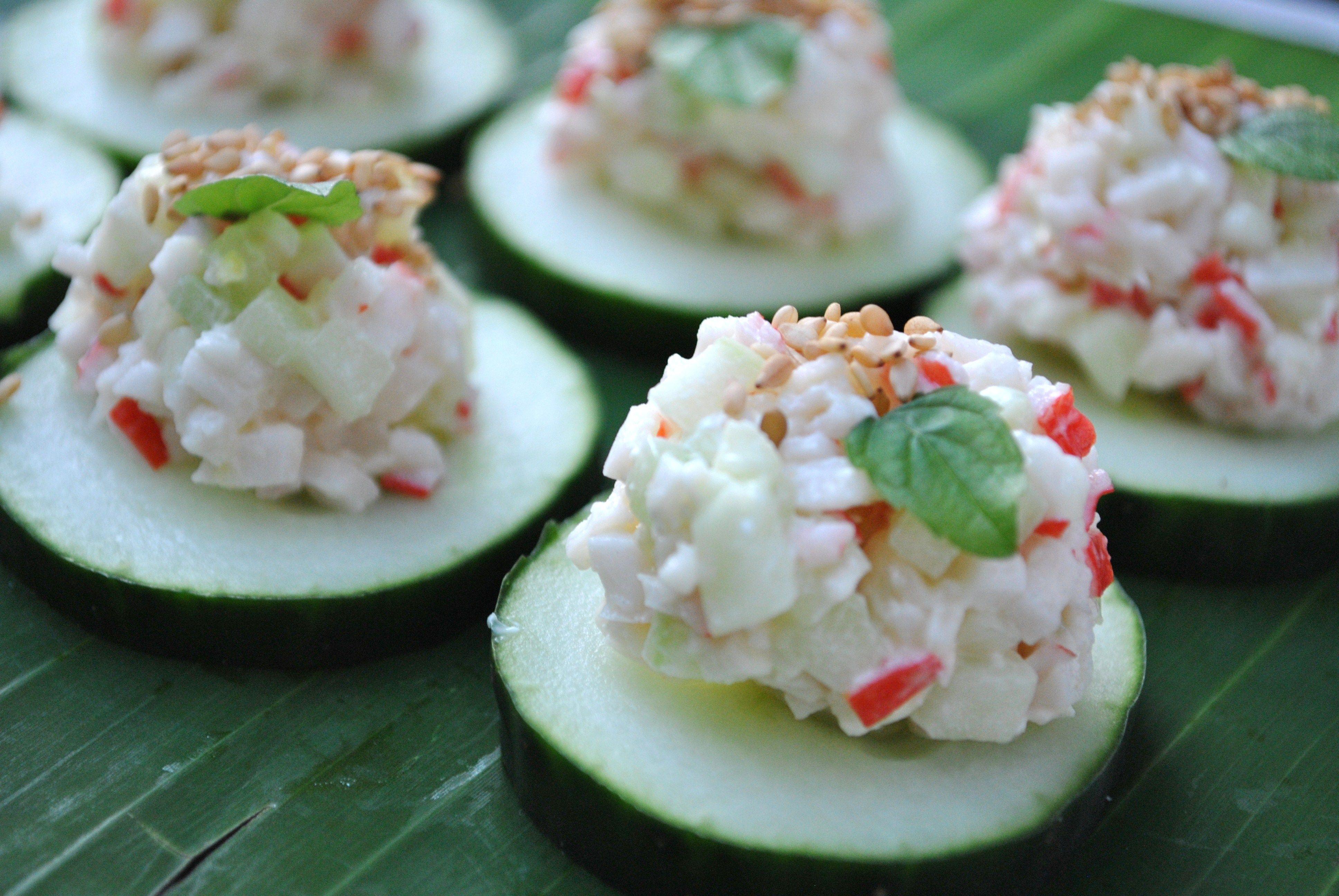 menu entr es salade surimi laver quelques feuilles de. Black Bedroom Furniture Sets. Home Design Ideas