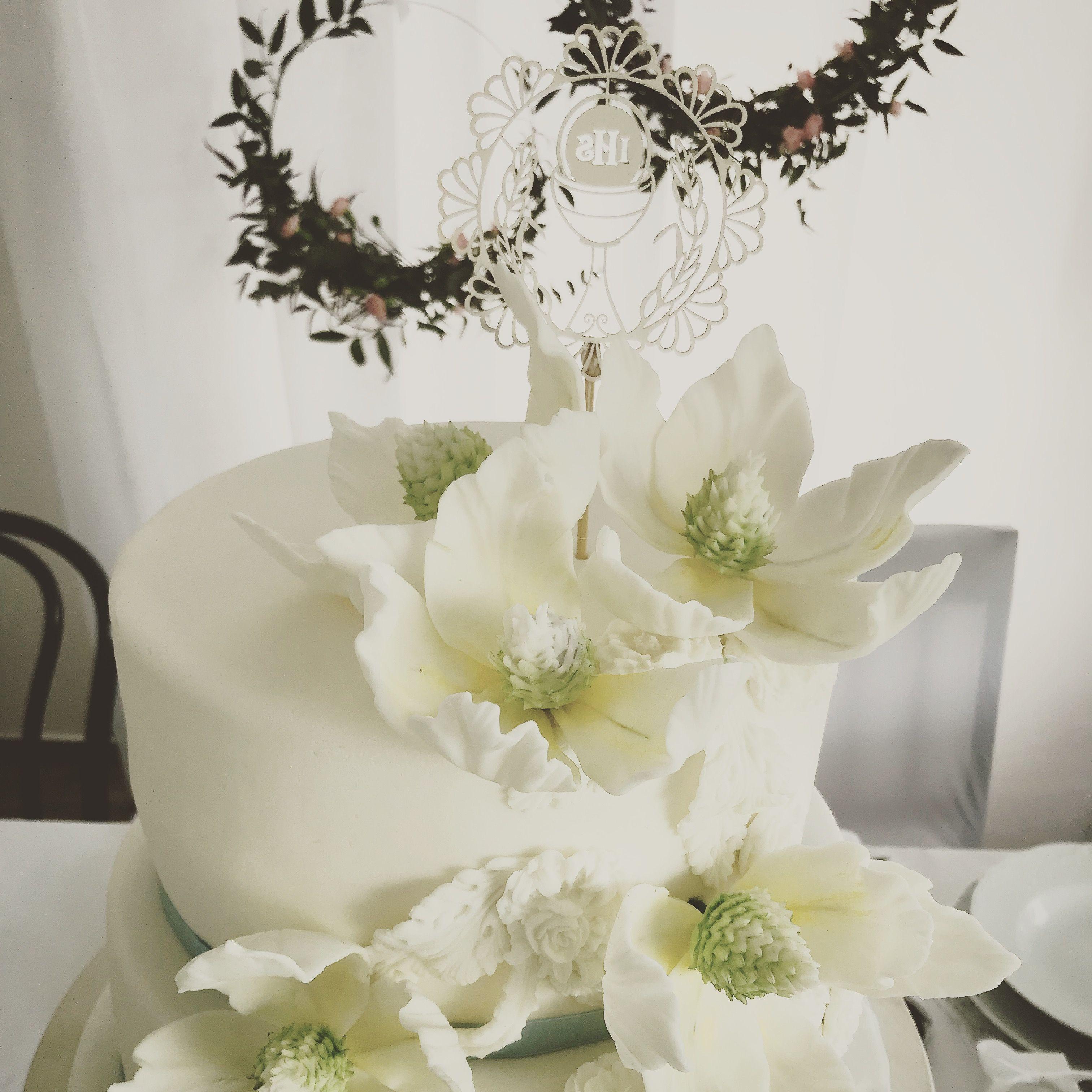 Pin By Anna Olkis On Anna Olkis Sugar Flowers Sugar Flowers Cake Desserts