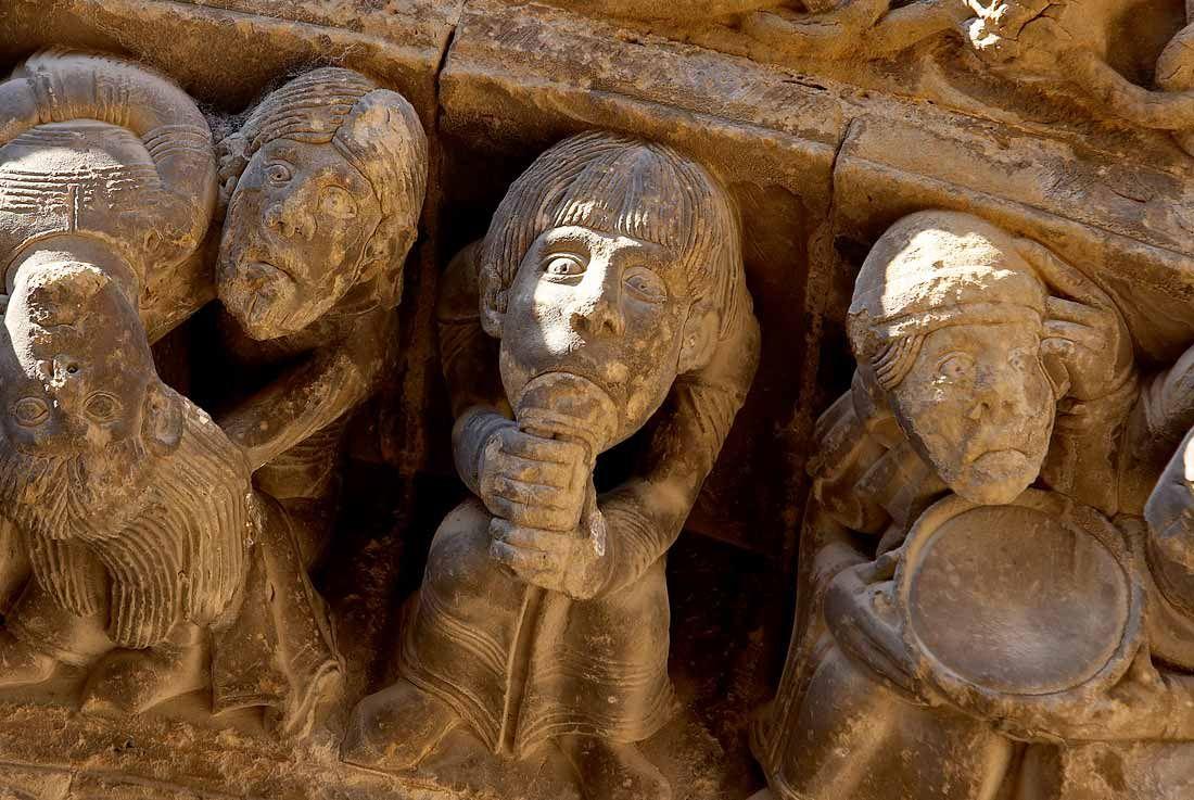 El mejor conjunto románico español del siglo XII en Uncastillo. Zaragoza