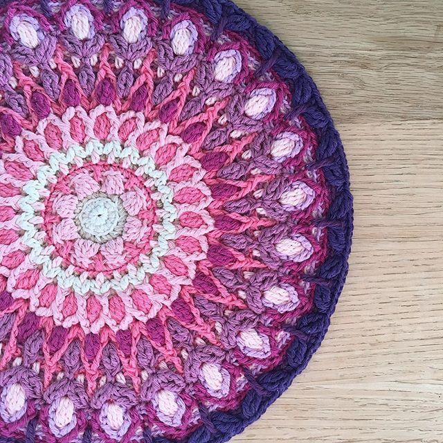 Spanish Mandala by LillaBjornCrochet | Crochet | Pinterest | Häkeln