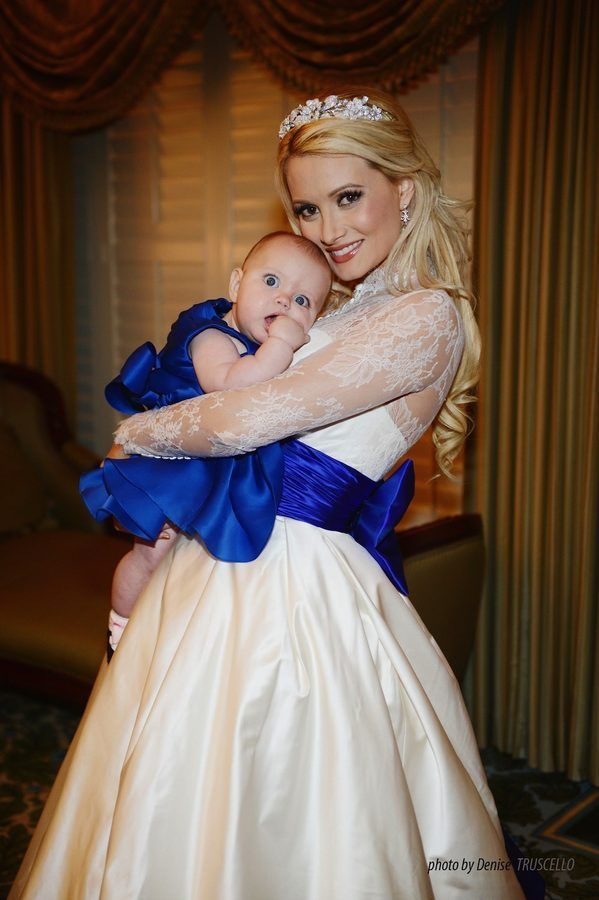 Get Up Close And Personal With Holly Madison S Wedding Gown Madison Wedding Celebrity Bride Holly Madison