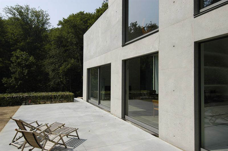 Glass and concrete. The Uccle House by Marc Corbiau. | Architecture ...