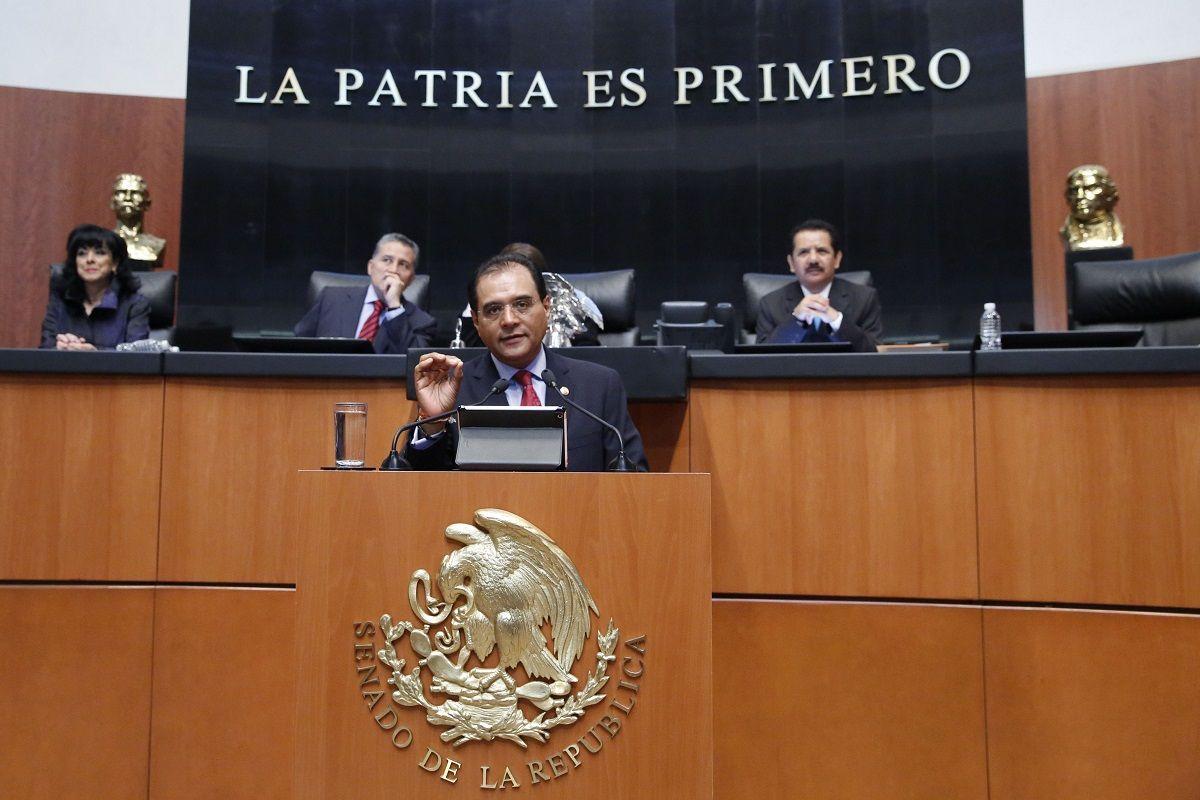 El presidente de la Comisión Sur-Sureste del Senado de la República, Benjamín Robles Montoya, exigió al Gobierno Federal el cumplimiento del mandato constitucional de la reforma al Sistema de Justi...