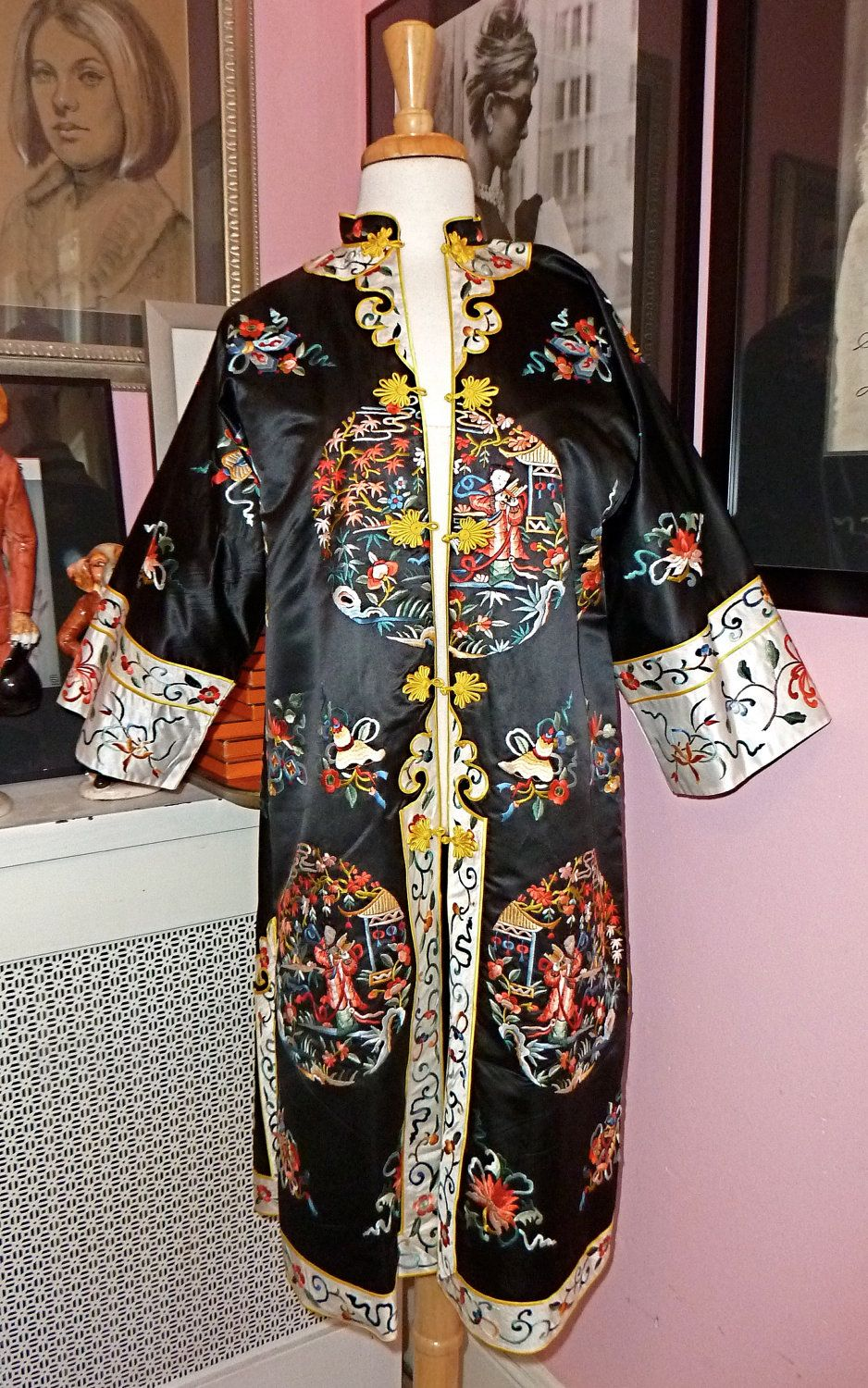 15519f607 Vintage1960s Embroidered Chinese Jacket - 60s Embroidered Silk Kimono Coat  - Pagodas -Geishas - Birds - Flower Print - Size Medium/ Large.