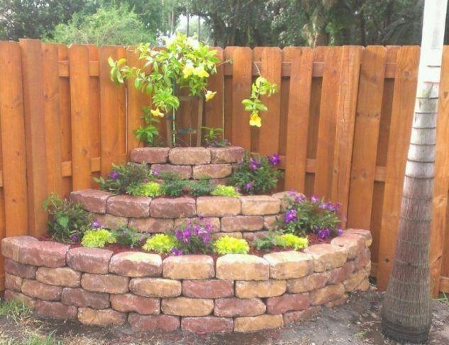 Zeit Um Den Garten Zu Verschonern 12 Tolle Ideen Um Eine Ecke In Ihrem Garten Zu Gestalte Small Backyard Landscaping Corner Landscaping Small Yard Landscaping