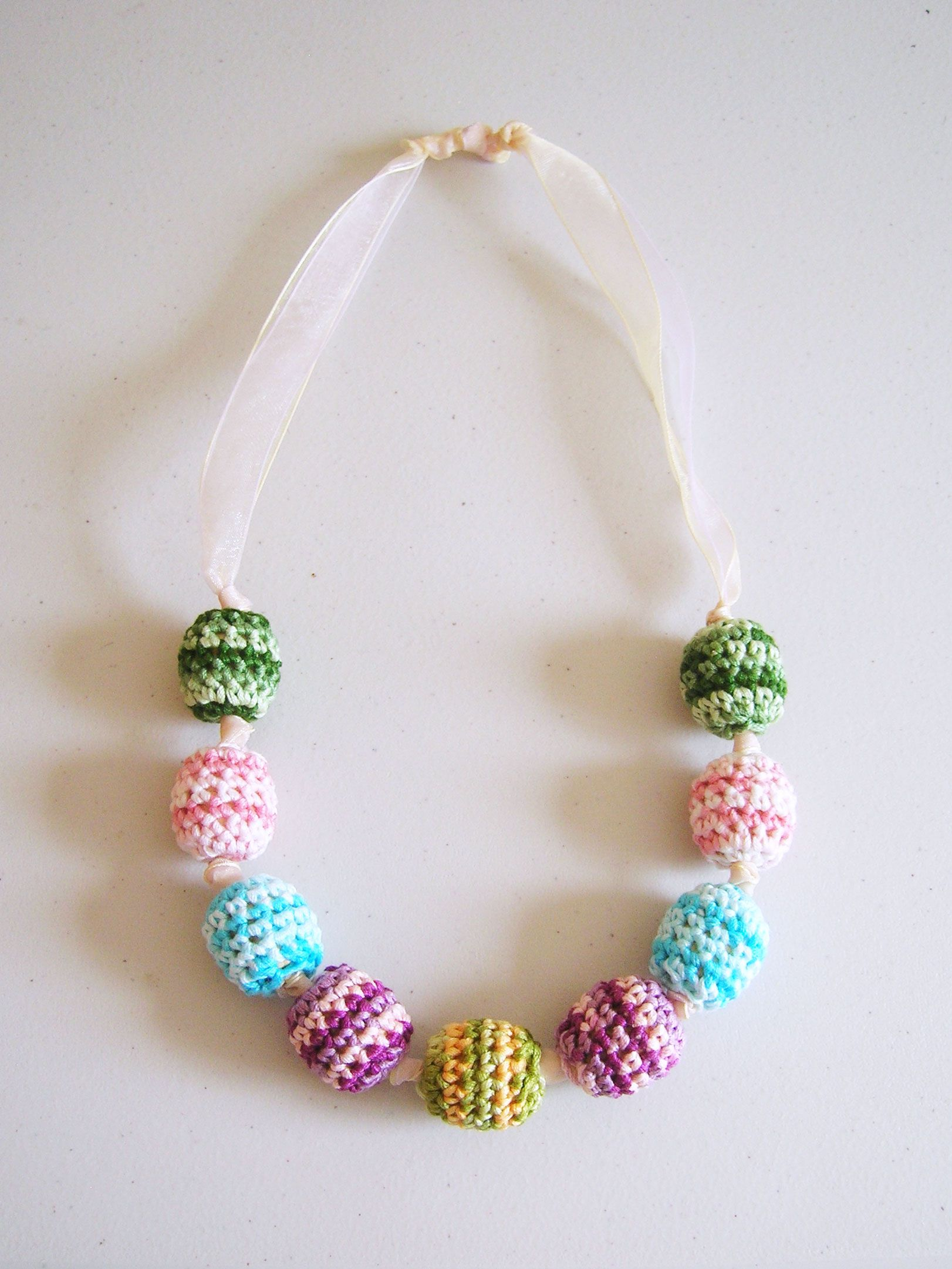 Pretty and very girly crochet beads necklace collar de cuentas crochet beads necklace by chabegs free crochet pattern chabepatterns bankloansurffo Image collections
