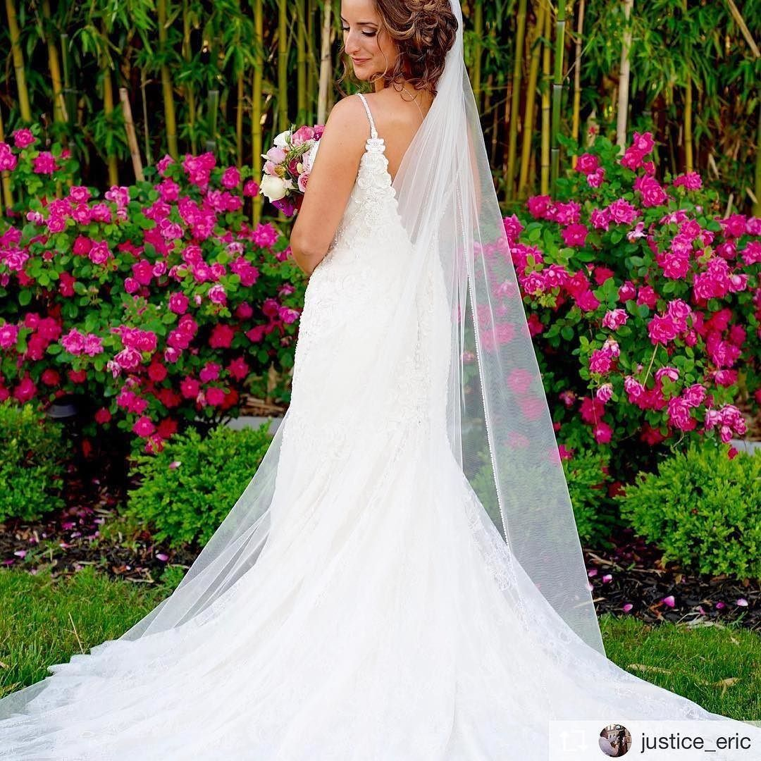 Wedding dresses style geometric hand beaded bridal gown with