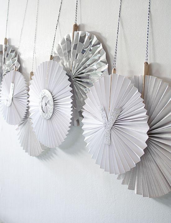 Paper fan tutorial #DIY #Crafts #Craft #Wedding #Paper #Fan