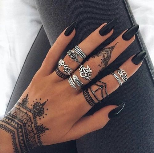 Black Stiletto Nails Henna Nails Nail Art Henna Nail Ideas Nail