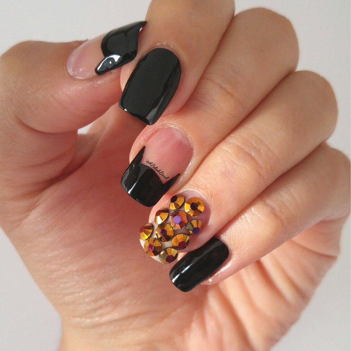 Super cute and easy nails for Halloween or year round! IG ...
