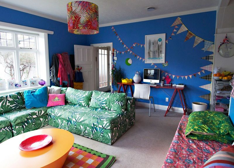 Alex Fulton S Flirtatious Use Of Crazy Color Living Room Decor Family Living Rooms Blue Rooms